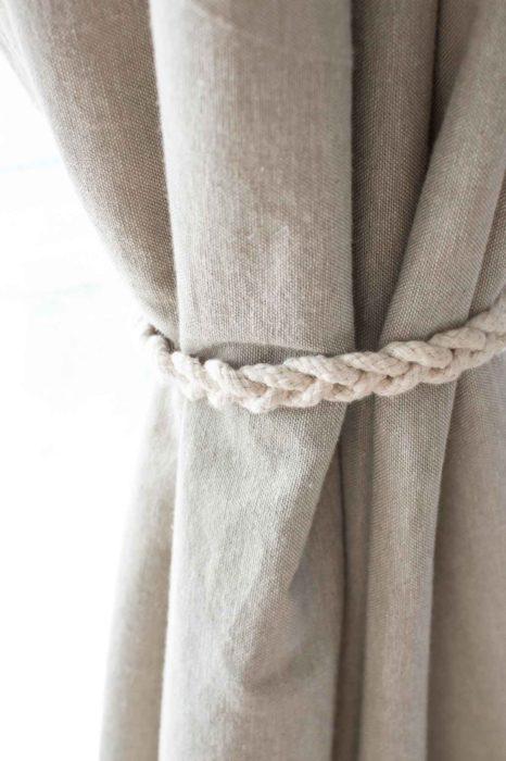 Подхват для тюли из шнура крючком