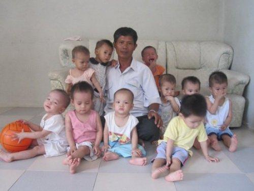 15 лет этот мужчина хоронил малышей из клиники абортов. Но когда к нему пришли их матери…