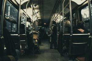 """Смешная история о """"заботливом"""" водителе в холодном автобусе"""