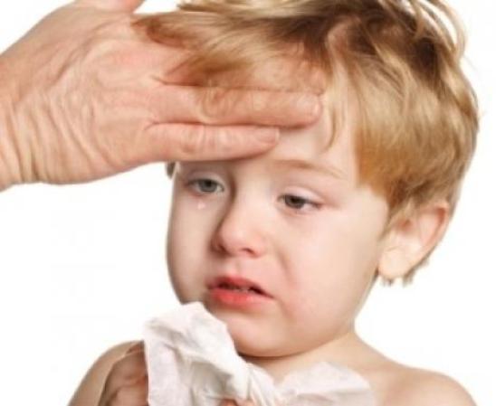 Какие действия предпринимать при высокой температуре у малыша: несколько советов