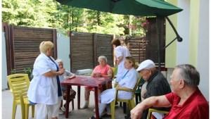 Не осуждайте тех, кто сдает родственников в дом престарелых