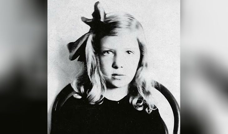 Галина Бардина, мать Марка Захарова, в молодости