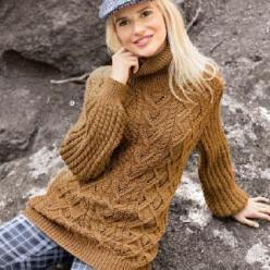 Вязание для женщин. Коричневый пуловер спицами с узорами