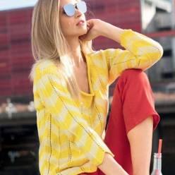 Вязание для женщин. Яркий пуловер спицами с зубчатым узором