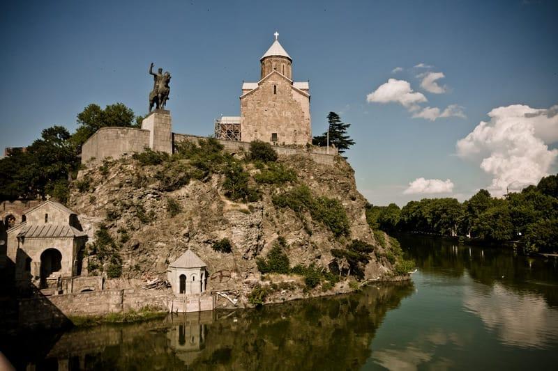 Храм Метехи и древние предания, связанные с ним