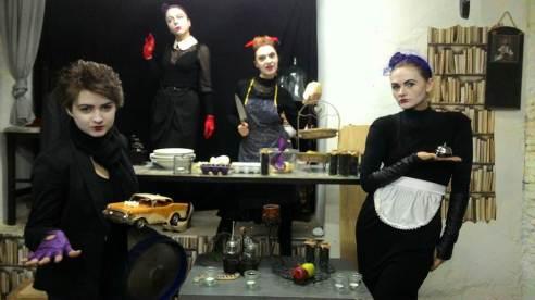 Экспериментальный любительский театр в галерее Тильда в самом центре Тбилиси