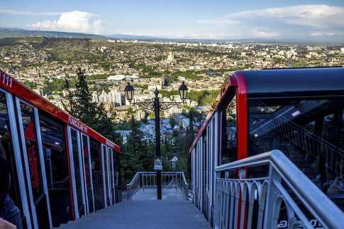 Парк развлечений и аттракционов на горе Мтацминда