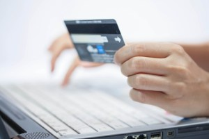 Online shopping/©thanatip