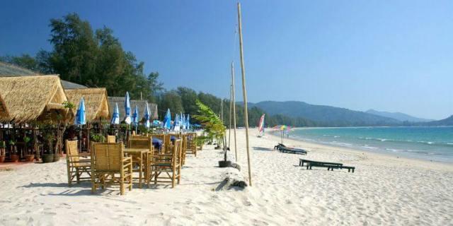 Лучшие пляжи для отдыха с детьми на Пхукете - Банг Тао