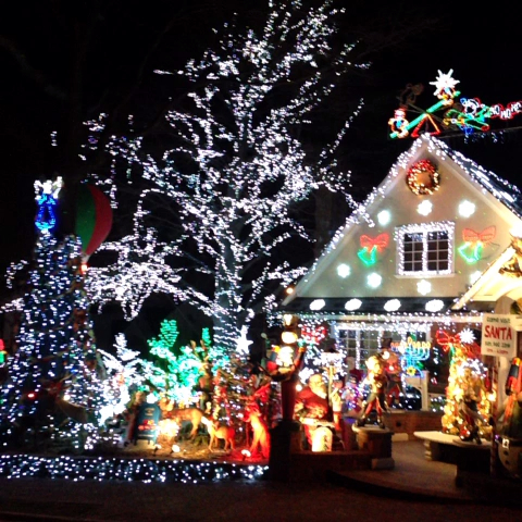 We Provide Custom Christmas Light Installation In St Louis Chesterfield Charles Mo