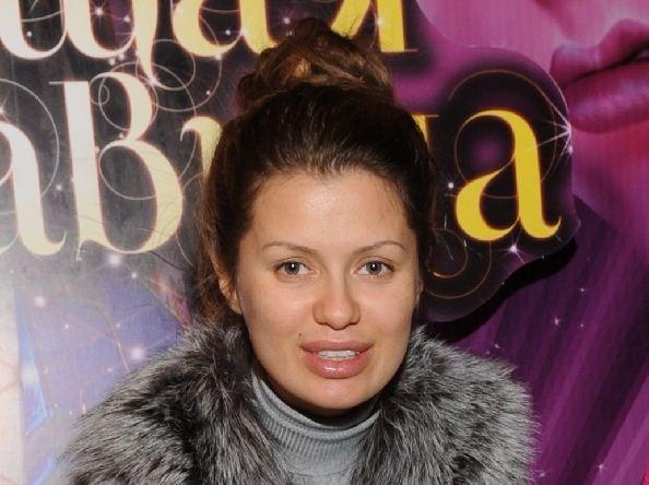 Беременная Виктория Боня выходит в свет без макияжа ...