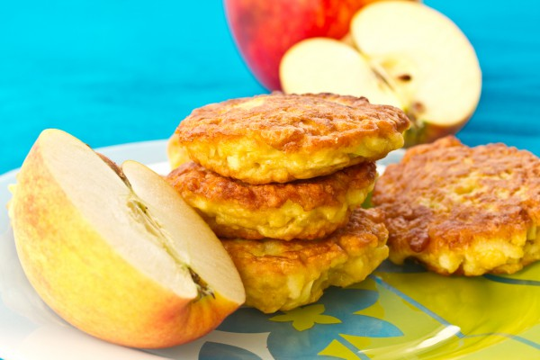 Яблочные оладьи - Рецепты. Кулинарные рецепты блюд с фото ...