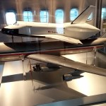 Model airplane and shuttle