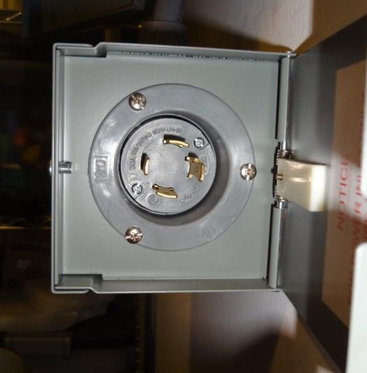 Transfer switch generator plug