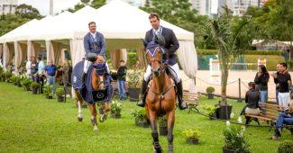 Zé Luiz e Zé Roberto liderando o galope da vitória (Luis Ruas)