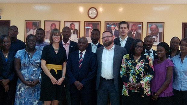 M. Boubacar Baidari DG CESAG au milieu, à sa droite Mme Julie TEYSEN, Conseillère Culturelle de l'Ambassade d'Allemagne, ont posé des actes importants dans la coopération Sénégalo-Allemande, par l'octroi de bourses.