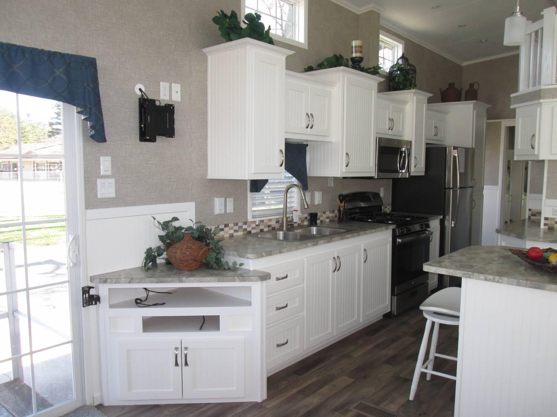 White Kitchen Appliances 2017