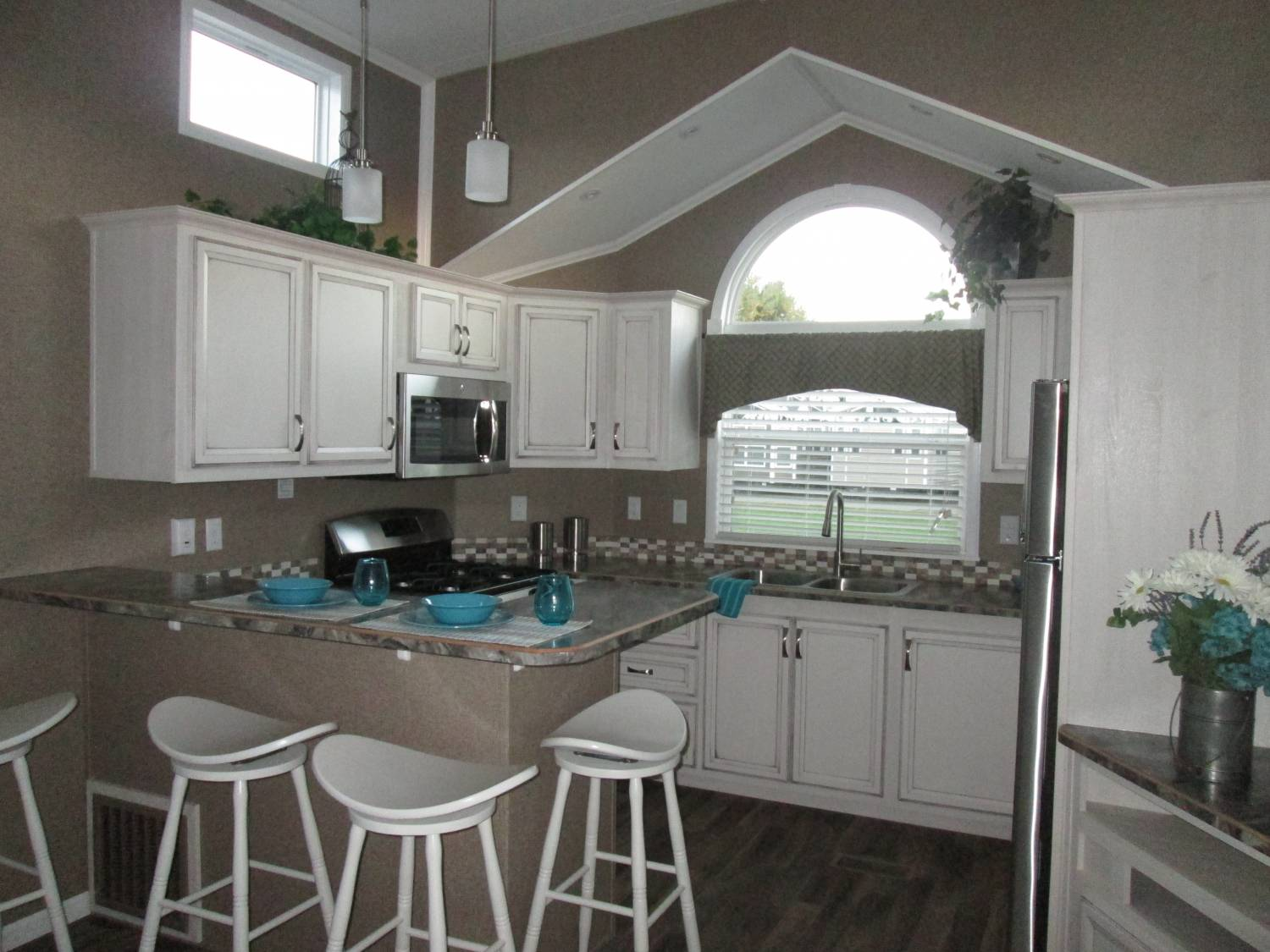 2017 Kropf Front Kitchen | Vacationland Sales on Model Kitchen Picture  id=97065