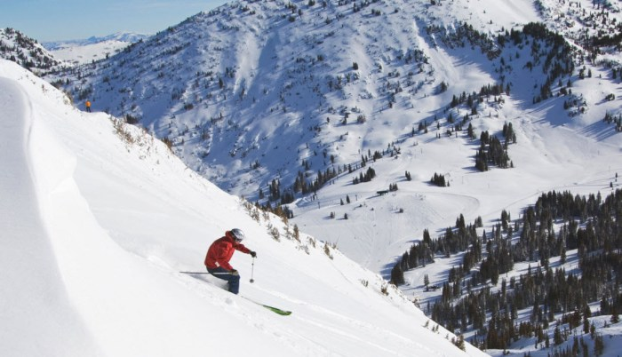 Downhill skiing near Salt Lake City, Utah - The Best Places to Visit in Winter
