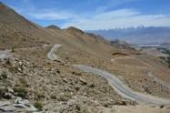 Drive to Chang La pass...scenic