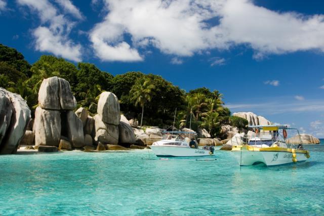 Сколько стоит остров на сейшелах купить квартиру за границей у моря недорого