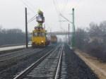 felsővezetékjavítás a vasútvonalon