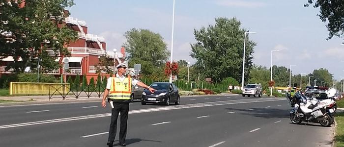 rendőri közúti ellenőrzés-700