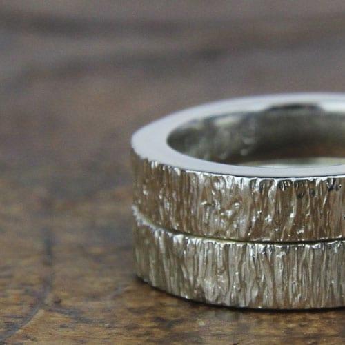 alianza de plata textura corteza de árbol