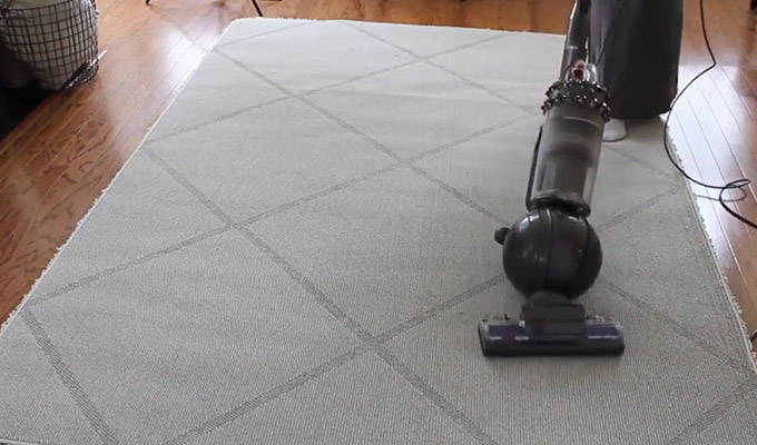 How to Prevent Dirt and Spills on Shaggy Rugs