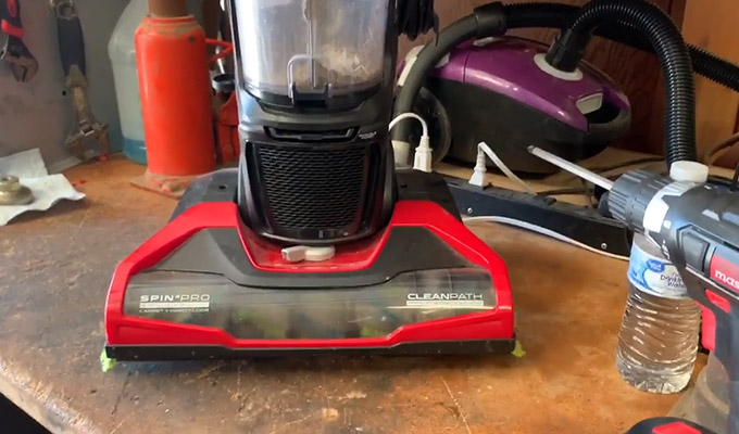 How to Take A Part a Dirt Devil Vacuum Cleaner FI