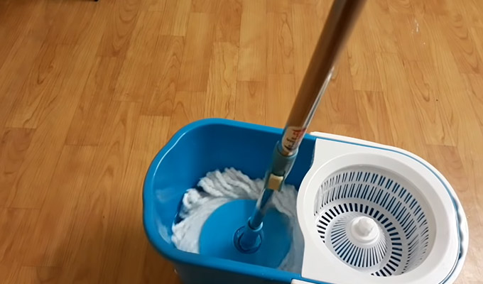 How to Use Gala Spin Mop