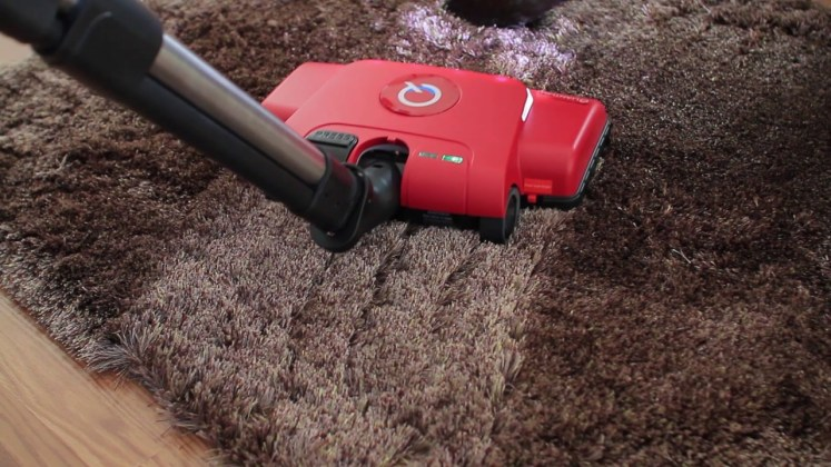 Quantum Vacu Brush Cleaning Carpet Red Model