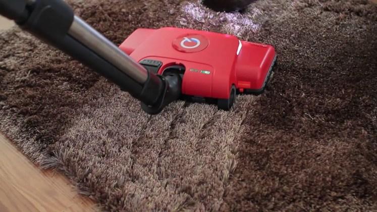 Quantum Vacu Brush Cleaning Carpet Red Model