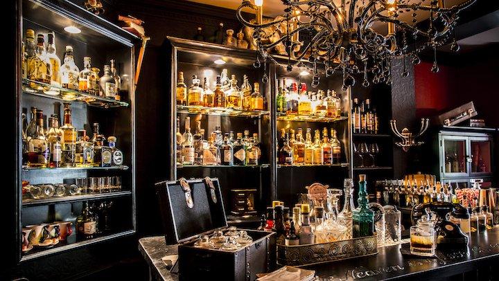 Cocktails London Vijay's Bar