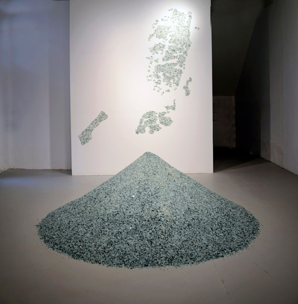 Bashar Alhroub: The land of diamond, 2014