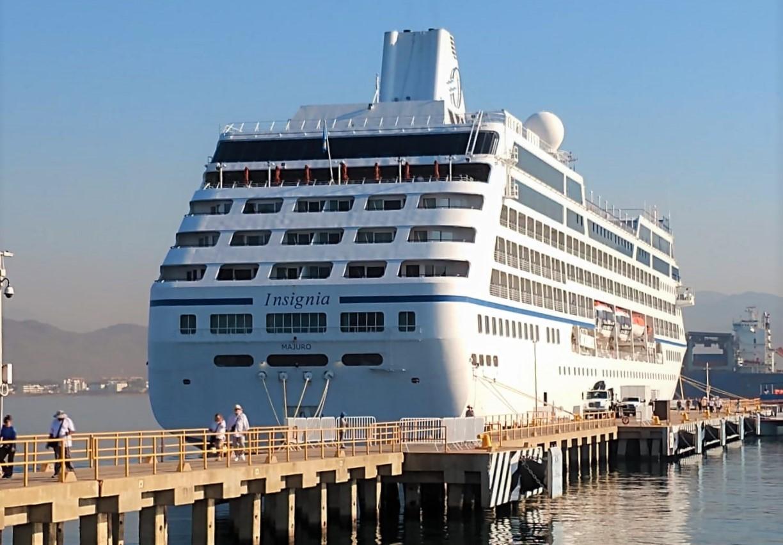 Arribó el Crucero Insignia al Puerto de Manzanillo