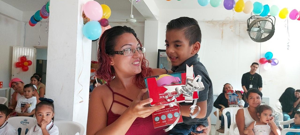 Entrega DIF Municipal juguetes lúdicos a niñas y niños en situación vulnerable