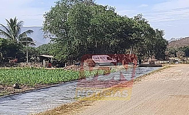 Localizan cadáver al interior del canal que conduce a la localidad del Apuyequito, en Colima