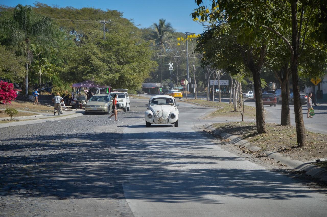 Continúan trabajos de repavimentación en la ciudad de Colima