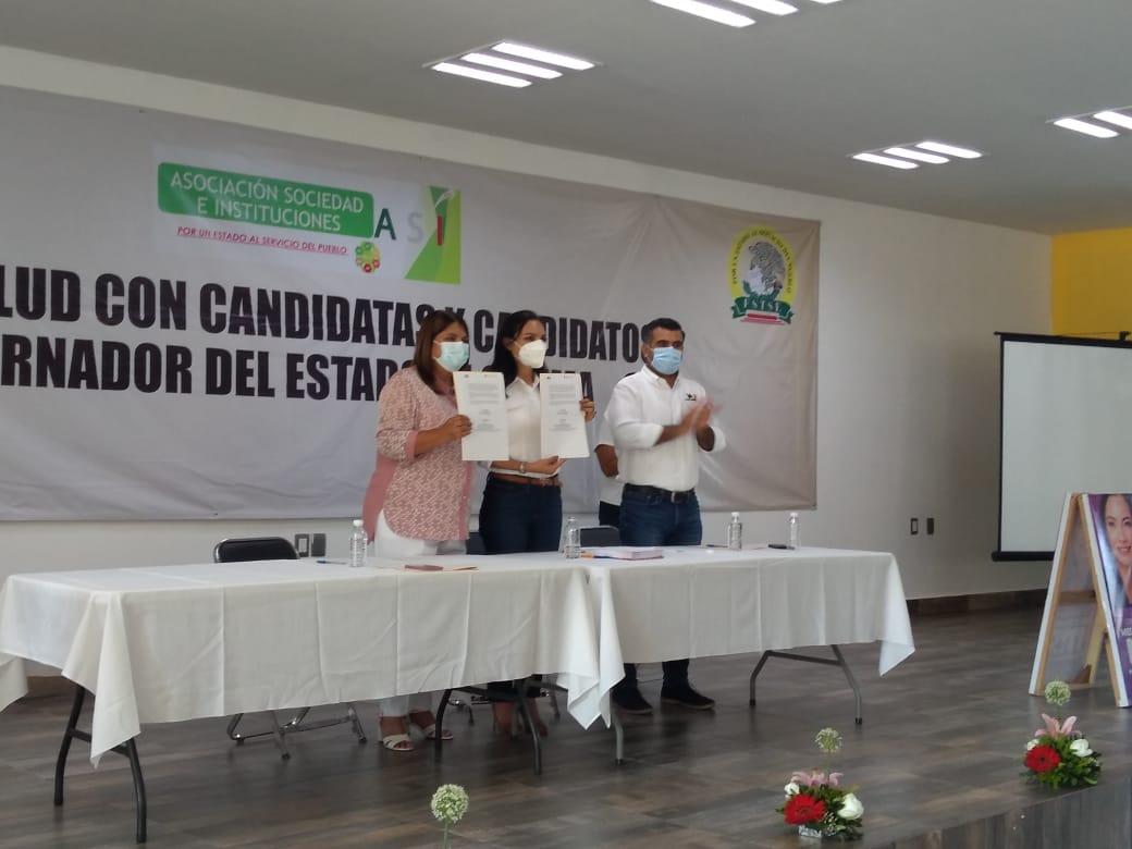 Mely, Virgilio y Locho firman convenio con trabajadores de salud de Colima