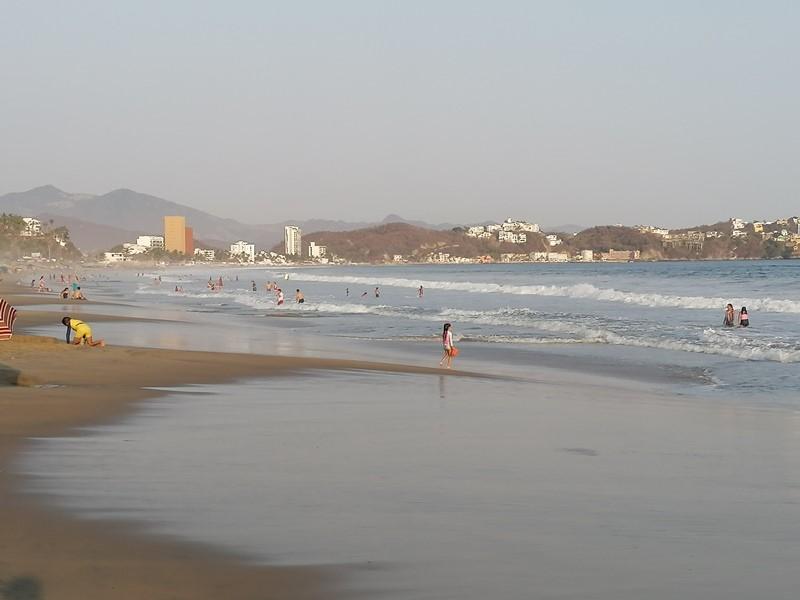 Registra Manzanillo afluencia promedio del 50% en hoteles en Semana Santa