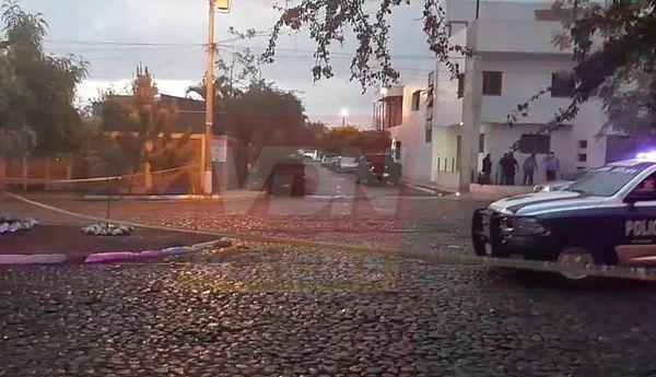 Balean a un hombre en la colonia Villas del Sol en Villa de Álvarez, recibe ya atención médica