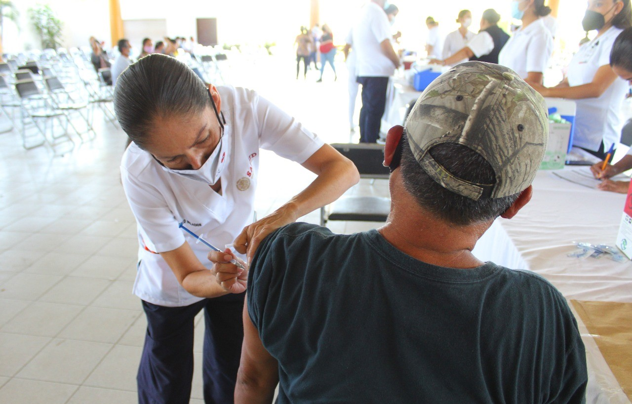Mínimos casos de reacciones adversas por vacunación: Salud