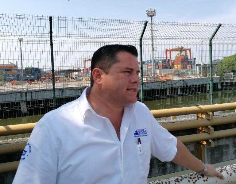 Cumplen transportistas el paro de servicios en contra de Contecon