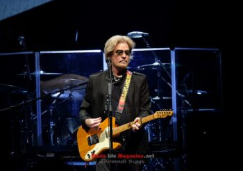 Hall & Oates with KT Tunstall at Big Sandy Superstore Arena – Huntington, West Virgina – August 19, 2019