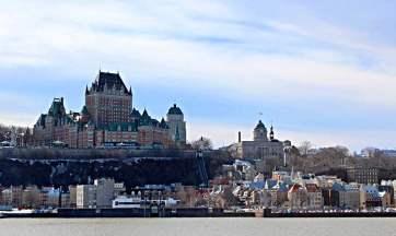 Une des plus belles vue de la capitale, depuis le traversier. Photo par Laurie Gosselin.