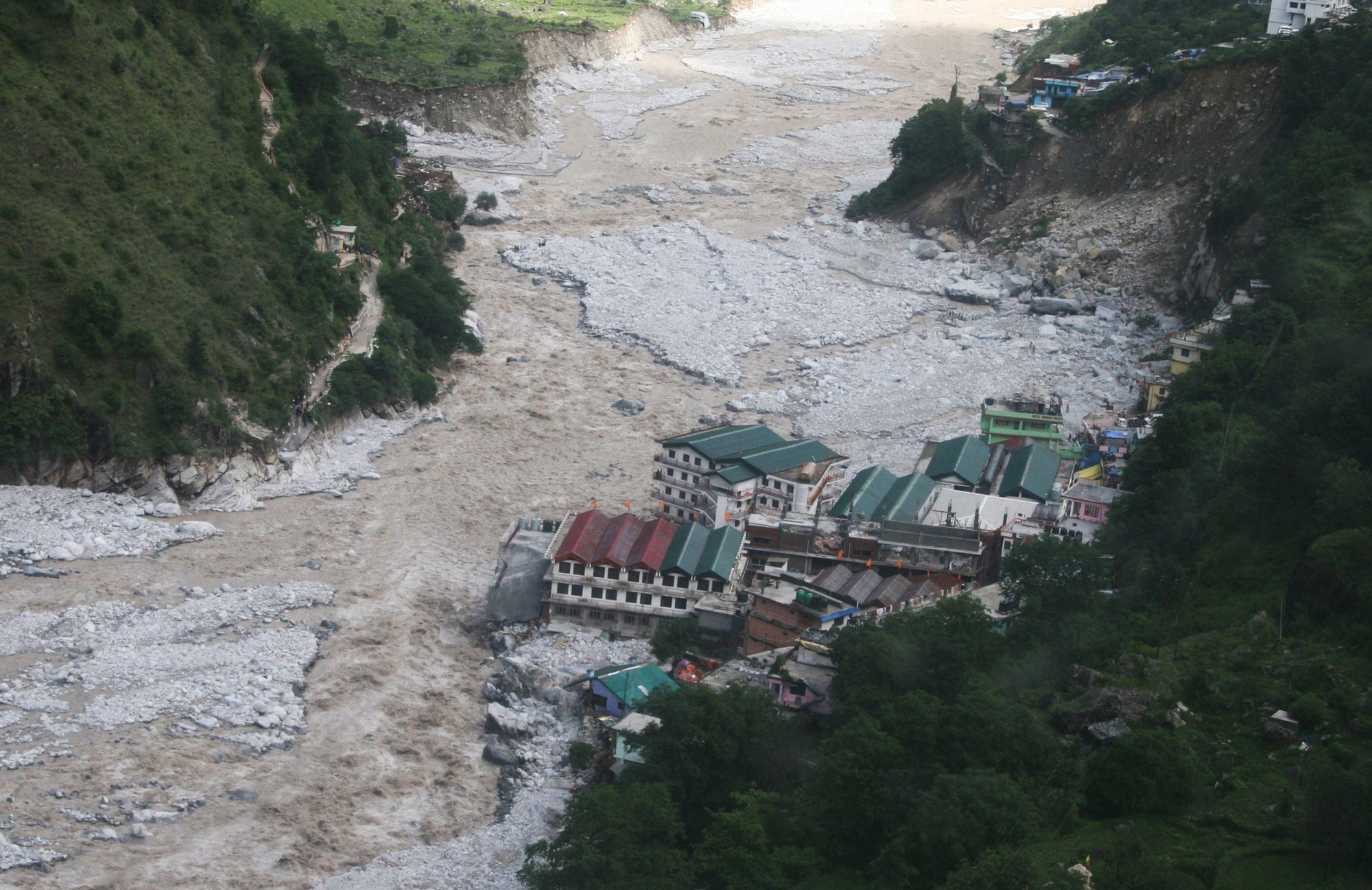 Many such cities lie precariously on the course of himalayan rivers