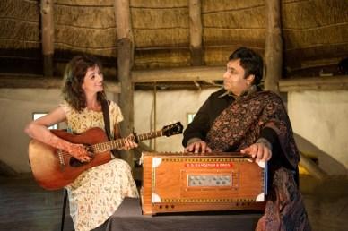 Indian Ghazal singer Tauseef Akhtar and  Gwyneth Glyn