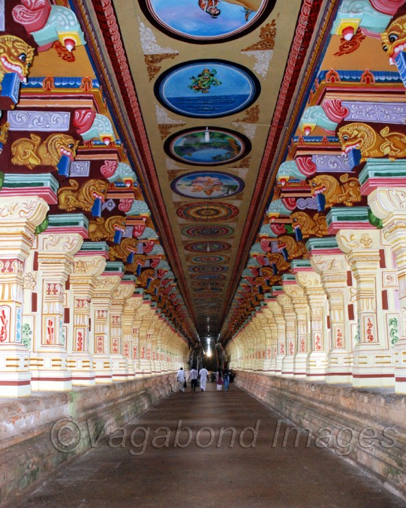 रामेश्वरम में रामनाथस्वामी मंदिर का गलियारा