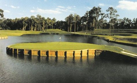 17th Hole at THE PLAYERS Stadium Golf Course. Photo: VISIT FLORIDA